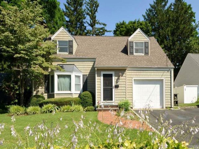 3 BR,  2.50 BTH  Colonial style home in Glen Head
