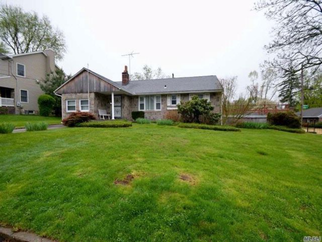 4 BR,  2.00 BTH  Ranch style home in Glen Head